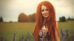 Рыжие девушки в маковом поле #8